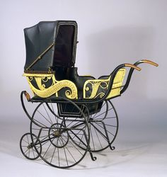 Babys pram, 1905 - V Museum of Childhood http://chozuo.com/baby-prams-in-2014/