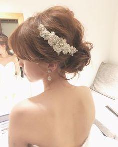 teruyo adachiさんはInstagramを利用しています:「*wedding hair* * * * ゆるふわ下目のシニヨン パーティー前にビジューのアクセをつけて 華やかに✨☺️ *✴︎** * * * * * #ヘアメイク#ヘアアレンジ #ウェディング #ウェディングヘア #ブライダル #ブライダルヘアメイク #ウェディングドレス…」