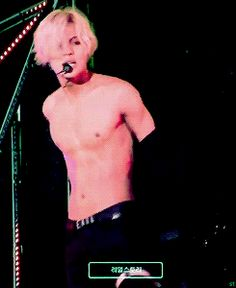 Taemin, why are you killing me? Gosh, and after the stage he was soooo embarrassed.. xD