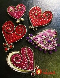 The W's: Felt/Zipper crafts. Cute gifts for Valentine's Day. Felt Crafts, Fabric Crafts, Sewing Crafts, Sewing Projects, Craft Projects, Diy Crafts, Felt Projects, Zipper Crafts, Zipper Jewelry