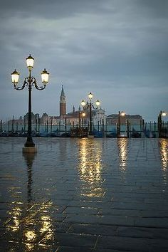 """hungariansoul: """"dolce-vita-lifestyle: """" """" Rainy Dawn, Venice, Italy photo via beth """" LA DOLCE VITA - Over Images of Wealth, Fashion, Beauty and World Luxury. Rainy Night, Rainy Days, Rainy Morning, Night Rain, Places To Travel, Places To See, Rome Florence, I Love Rain, Dancing In The Rain"""