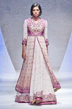 Gul Style at Pakistan Fashion Week London 2012