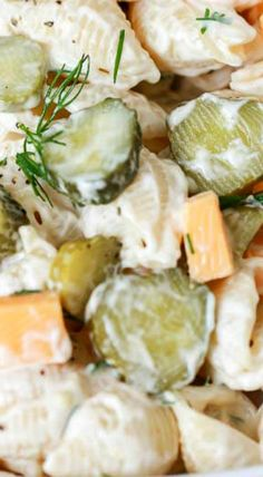 Dill Pickle Pasta Salad is an easy creamy pasta salad recipe with tons of flavor & crunch! Perfect for potlucks this dish can be made ahead of time. Salad Dressing Recipes, Pasta Salad Recipes, Salad Dressings, Salad Bar, Soup And Salad, Creamy Pasta Salads, Potato Pasta, Homemade Pickles, Snacks Für Party