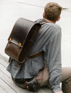 Handmade Leather Backpack Men's brown handstitched yellow stitches Leather Backpack For Men, Leather Duffle Bag, Messenger Bag Men, Leather Gifts, Leather Men, Handmade Leather, Unique Backpacks, Men's Backpacks, Leather Projects