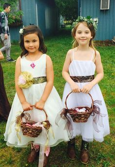Camouflage Wedding, Girls Dresses, Flower Girl Dresses, Rustic, Wedding Dresses, Fashion, Bride Gowns, Wedding Gowns, Moda