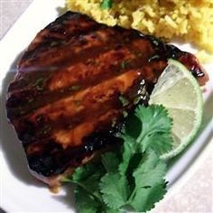 Sweet 'n' sticky tuna steaks(Tuna Recipes) Ahi Tuna Steak Recipe, Grilled Tuna Steaks, Seared Tuna, Fresh Tuna Steak Recipes, Fish Recipes, Seafood Recipes, Cooking Recipes, Healthy Recipes, Salads