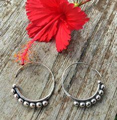 e44ef3308d07 Pendientes de plata de diseño étnico. Sterling Silver earrings Aros De  Plata