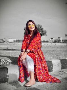 Cute Girl Pic, Cute Girl Poses, Cute Girls, Stylish Photo Pose, Cute Muslim Couples, Dress Indian Style, Girl Fashion, Fashion Design, Fashion Bags