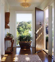 Feng Shui: Manten la entrada a tu casa tan abierta y limpia como te sea posible para que los que entren reciban una sensación agradable.
