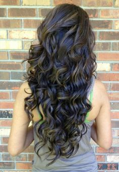 19 Pretty Permed Hairstyles - Best Perms Looks You Can Try This hair styles for girls with curly hair - Hair Style Girl Permed Hairstyles, Pretty Hairstyles, Layered Hairstyles, Hairstyles 2016, Popular Hairstyles, Black Hairstyles, Celebrity Hairstyles, Easy Hairstyles, Curled Hairstyles For Medium Hair