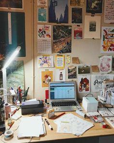 Study Room Decor, Room Ideas Bedroom, Bedroom Decor, Wall Decor, Deco Cool, Appartement Design, Uni Room, Decoration Inspiration, Room Goals