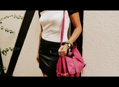 Look do dia: sexy em saia de couro + bolsa colorida | Passaporte do Luxo