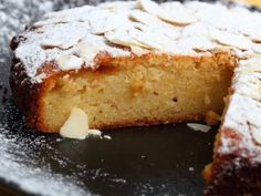 Learn how to make lemon and Almond Torte with this delicious and easy recipe. Although the words are similar, torte is more like a sponge cake than a tart. Food Cakes, Cupcake Cakes, Cupcakes, Semolina Cake, Cake Recipes, Dessert Recipes, Torte Recipe, Honey Cake, Moist Cakes