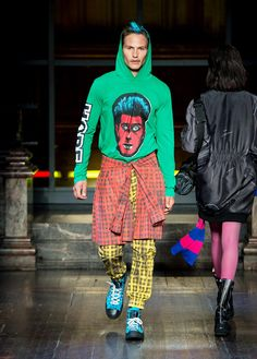 Moschino Uomo Autumn/Winter 2016 Fashion Show - See more on www.moschino.com!