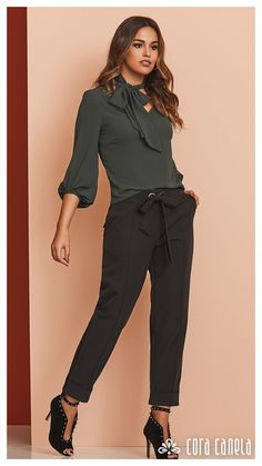 LOOK BOOK 2 – Cora Canela Corporate Wear, Square Pants, Classy Outfits, Casual Chic, New Look, Ideias Fashion, Gowns, My Style, Womens Fashion