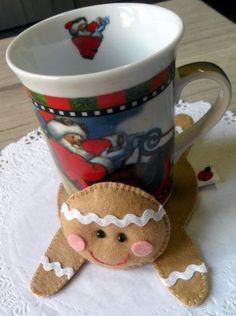 Christmas Ornaments To Make, Felt Ornaments, Christmas Art, Felt Crafts, Christmas Crafts, Christmas Decorations, Diy Crafts, Felt Doll Patterns, Mug Rug Patterns