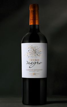 Fuego Negro Wine on Packaging of the World - Creative Package Design Gallery