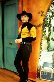 Garth Brooks Wife, Shameless Garth Brooks, Country Music Artists, Country Music Stars, Country Singers, Call Me Claus, Friends In Low Places, Classic Songs, Clint Eastwood