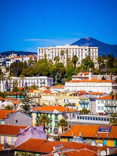 [✔] Our tips for things to do in Nice, France: http://www.europealacarte.co.uk/blog/2011/06/09/things-to-do-nice/