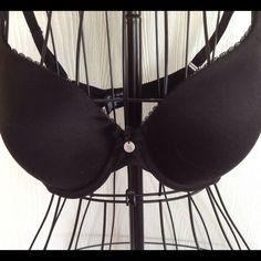Victoria's Secret Bra Victoria's Secret black bra.  Lined full coverage.  Gently used. Victoria's Secret Intimates & Sleepwear Bras