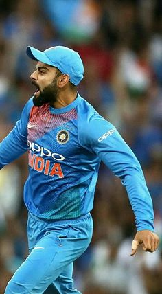 Virat Kohli Wallpapers, Cricket Wallpapers, Sports Personality, Sachin Tendulkar, Smocking Patterns, Cricket Sport, Extreme Sports, Celebrity Weddings, Champs