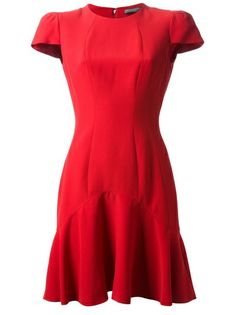Vestido vermelho                                                                                                                                                      Mais