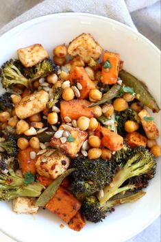 Sheet Pan Veggie Dinner with Broccoli, Sweet Potato, Tofu, Chickpeas, Sunflower seeds dressed with Miso Maple Dressing. Can be soyfree with chickpea miso. 23 gm of Protein! Tofu Recipes, Salad Recipes, Diet Recipes, Vegetarian Recipes, Healthy Recipes, Healthy Food, Vitamix Recipes, Protein Recipes, Sandwich Recipes