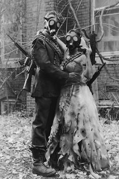 Discover recipes, home ideas, style inspiration and other ideas to try. Gas Mask Art, Masks Art, Gas Mask Drawing, Gas Masks, Aesthetic Grunge, Aesthetic Art, Images Terrifiantes, Creepy Vintage, Arte Obscura