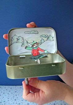 DIY mini box Ice skating rink with paper clip and magnet- for the kids to make (altoid tins) Projects For Kids, Diy For Kids, Craft Projects, Crafts For Kids, Kids Fun, Mint Tins, Altered Tins, Altered Art, Tin Art