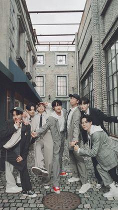 Bts Group Picture, Bts Group Photos, Foto Bts, Bts Jungkook, Lockscreen Bts, Bts Twt, Les Bts, Bts Backgrounds, Entertainment