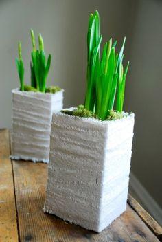 Gemaakt van een melkpak en omwikkeld met linnen. Door MarMeer