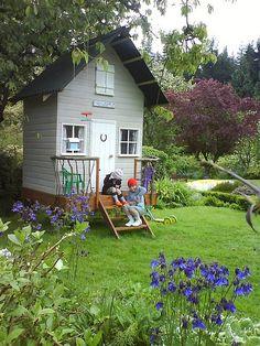GARDEN  charming   Birdhouse playhouse
