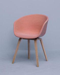 About A Chair AAC23 - Volledig gestoffeerde kuip