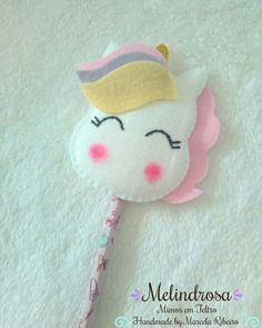 Unicorn Themed Birthday, Unicorn Party, Crafts For Girls, Gifts For Kids, Paperclip Crafts, Pencil Crafts, Felt Bookmark, Felt Gifts, Hat Crafts