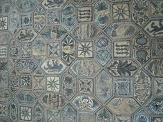 Maiolica Floor (about 1438) of the Caracciolo del Sole Chapel in San Giovanni a Carbonara Church - Naples | da * Karl *