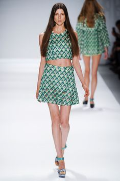 Vivienne Tam Spring 2014 Ready-to-Wear Collection - Vogue
