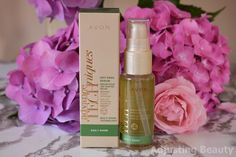Avon has another beauty box and it's a summer edition. Beauty Box, Beauty Skin, Avon Products, Summer Beauty, Voss Bottle, Body Care, Serum, Hair Care, Perfume Bottles