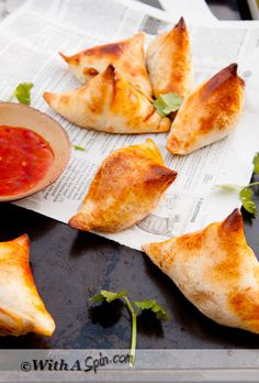 Light, crispy samosas bustling with flavors.  If you are time pressed as I am, I am sure you appreciate this easy to make samosa, #healthy semi homemade #samosa. Photography by Lail | With A Spin.