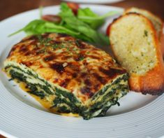 From pesto to roasted vegetables, there's more than one way to make lasagne. Chicken Ragu, Chicken Lasagne, Lasagne Dish, Lasagne Recipes, Roasted Vegetable Lasagne, Roasted Vegetables, Spinach Stuffed Mushrooms, Stuffed Peppers, Pesto Spinach
