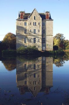 Escape to the Chateau's Dick and Angel reveal what it's really like to live in a 45-bedroom French castle French Country Bedrooms, French Country Cottage, French Country Style, French Country Decorating, Angel Adoree, Angel Strawbridge, French Castles, French Houses, Castle House