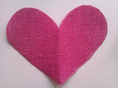 Dekoherz aus altem Hemd / Decorative heart cut out of old shirt / Upcycling