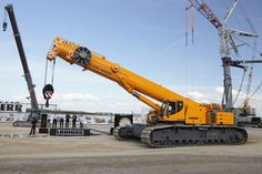 A Giant Crawler: The New Telescopic Liebherr LTR 1220 Crawler Crane