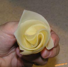 Jak složit sýr - do tvaru růže