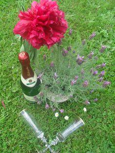Sonnenschein, Blumen und Rotkäppchen Sekt
