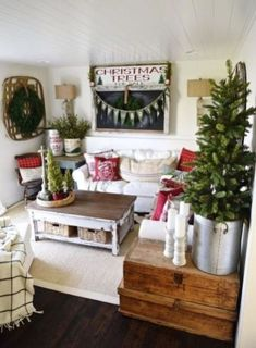 39 Creative Christmas Decoration Ideas For Small Spaces 01