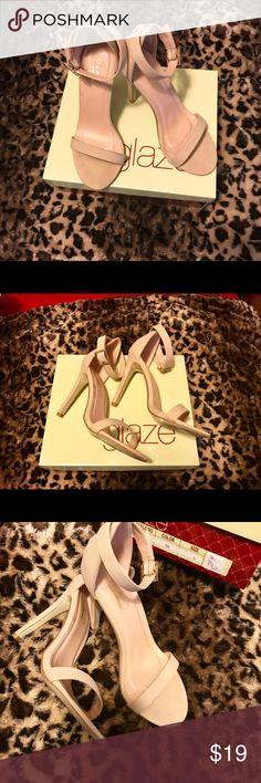 "❤️Ladies Single Toe Strap Sandals, Sz 6, Beige💐 ❤️Ladies Single Toe Strap Sandals, Sz 6, Beige w/box, Worn twice. 4"" heel. Glaze Shoes Heels"