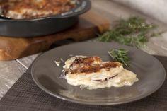 Gratinado de Patatas! En esta receta vamos a preparar un delicioso Gratinado de Patatas. Nos puede servir como plato único o para acompañar platos de carne o pescado.