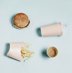 via olocomesolodejas.com fast food flatlay fun!