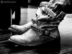 stivali - ® Massimo Mazzoni