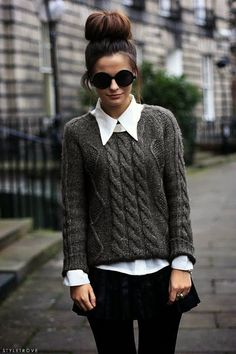 Classy and still comfy: woolen pull & white blouse